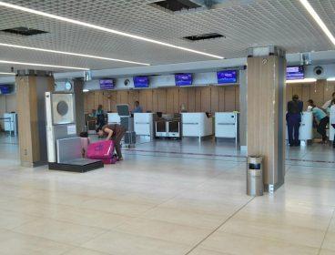 оборудование для аэропорта, стойки для аэропорта, мебель для аэропорта
