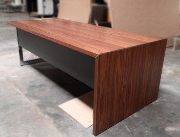 Стол со скидкой со склада производственного комплекса! Распродажа офисной мебели.